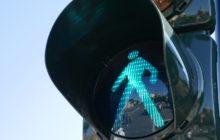 Verkeerslicht herkent voetgangers